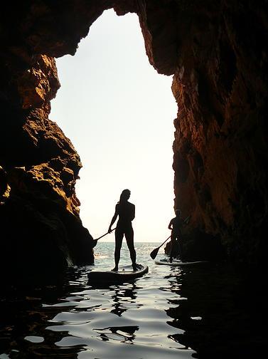 Źródło zdjęcia: http://www.coastlinealgarve.com/#!coast-grottoes-tour/c1xxa