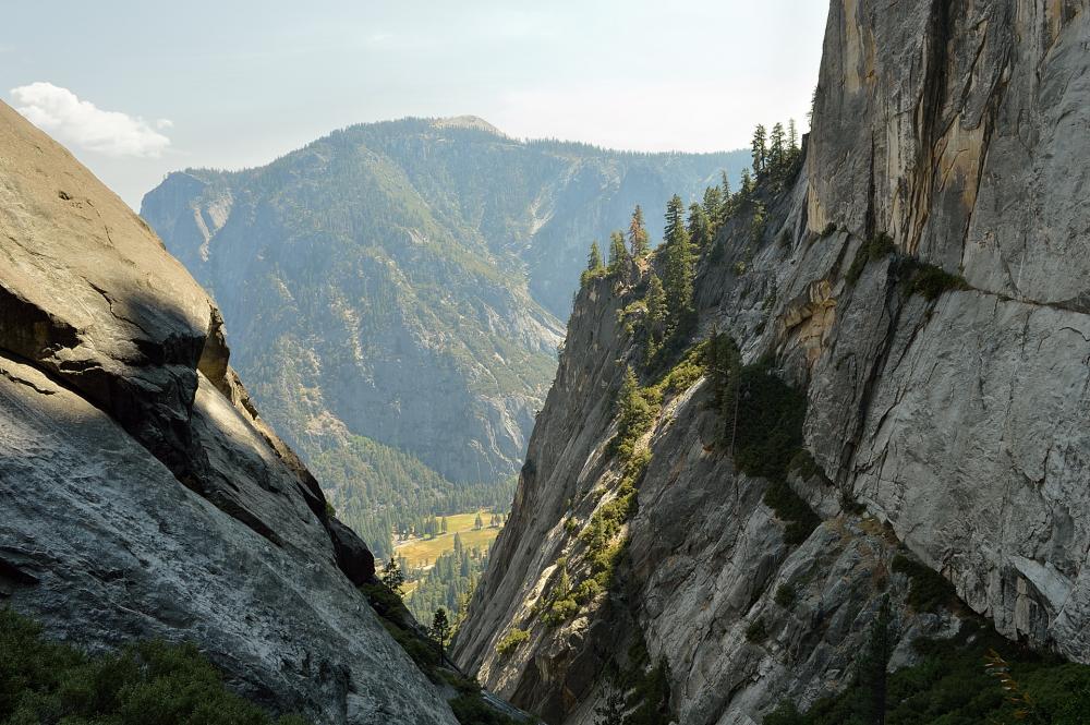 6-widok-ze-szlaku-na-yosemite-falls_01