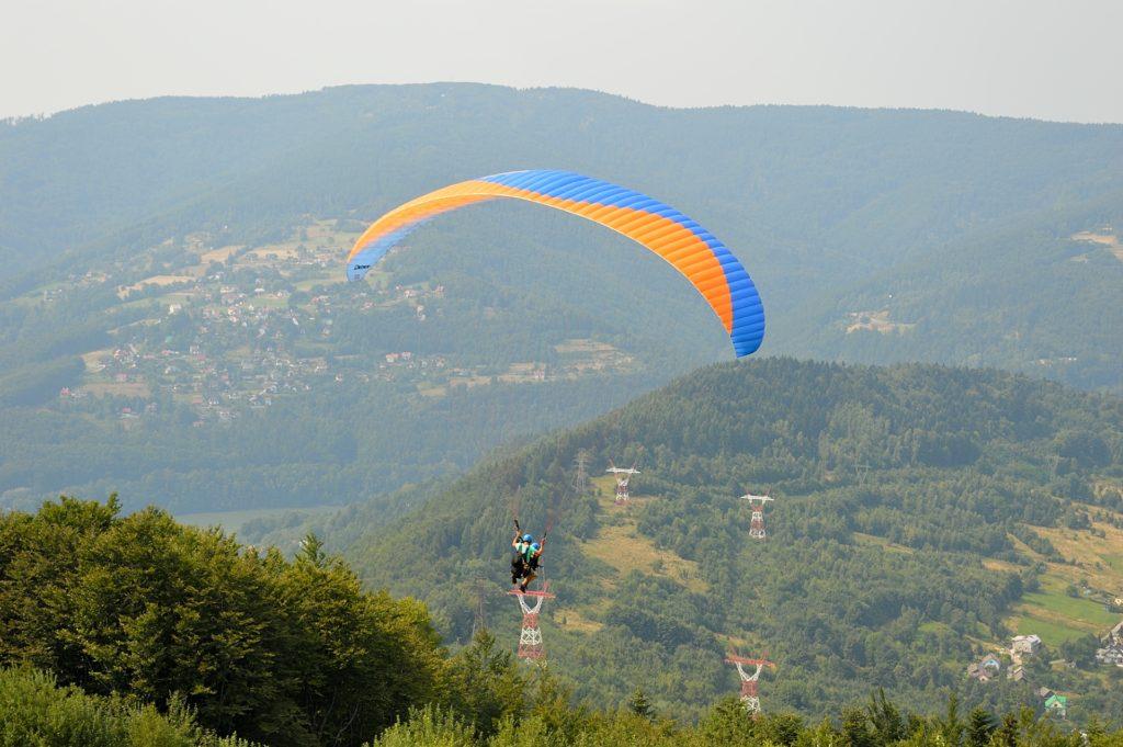 2 quotes paragliding Zar