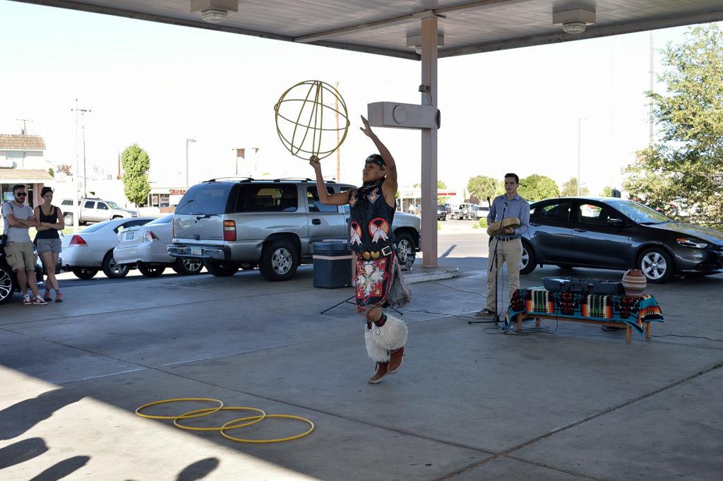 taniec Navajo przed Upper Antelope Canyon
