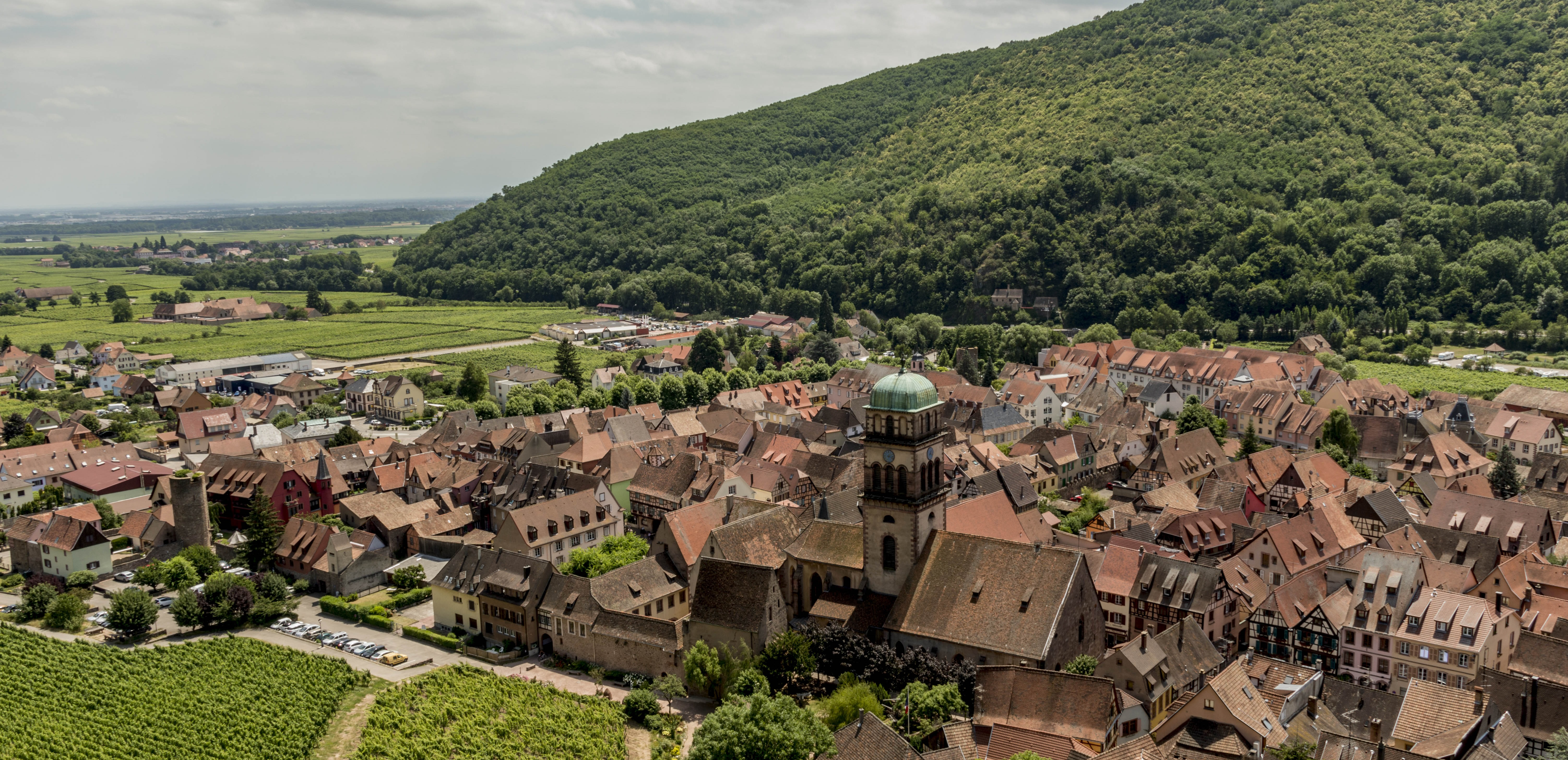Kaysersberg. A photo trip to the favorite village of French people in 2017.