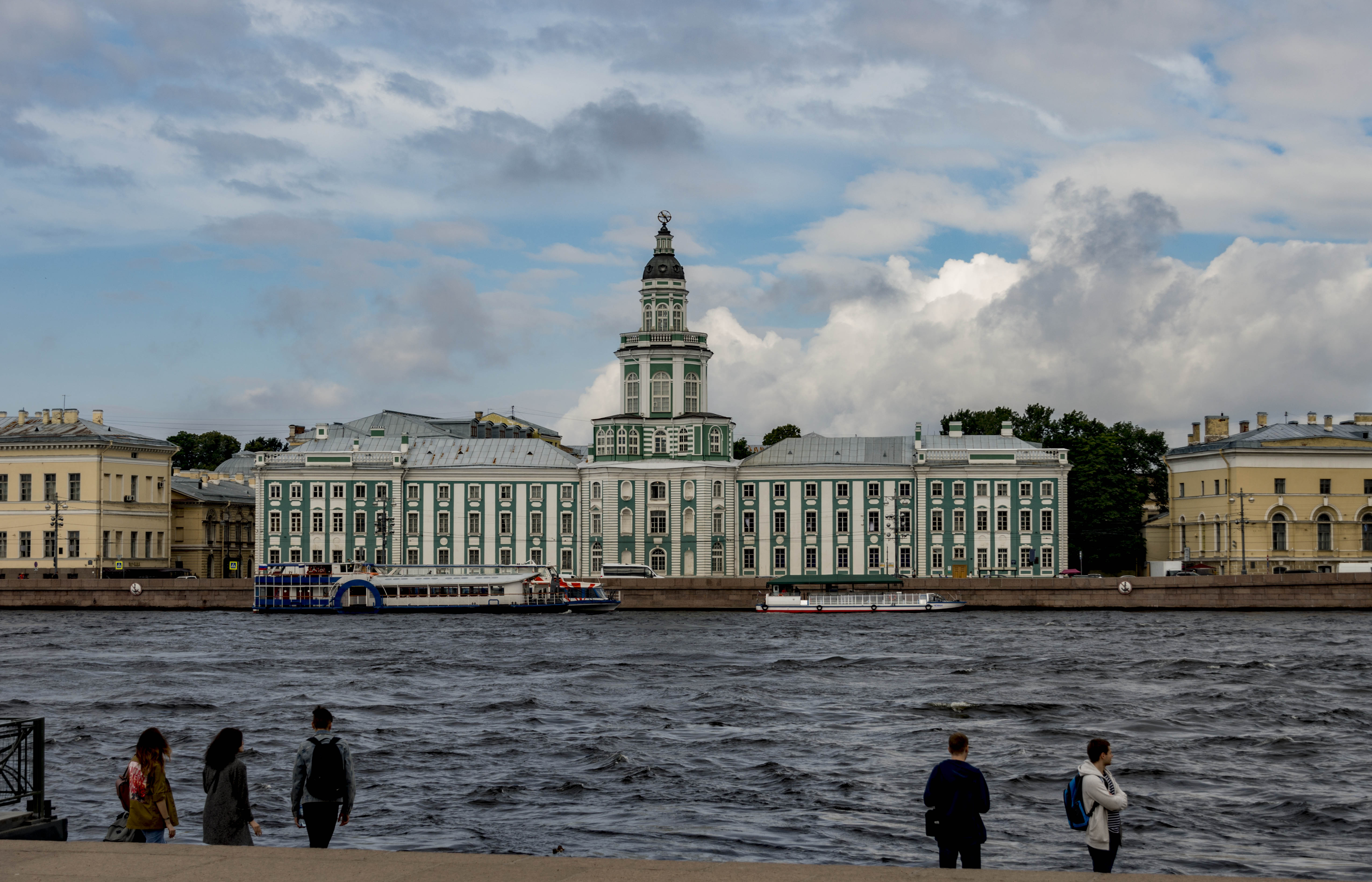 how to organize a trip to Saint petersburg, russia