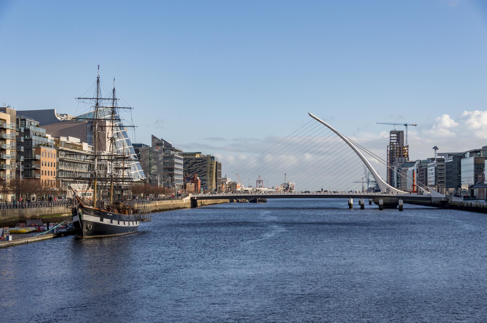 Dublin attractions - Harp Bridge