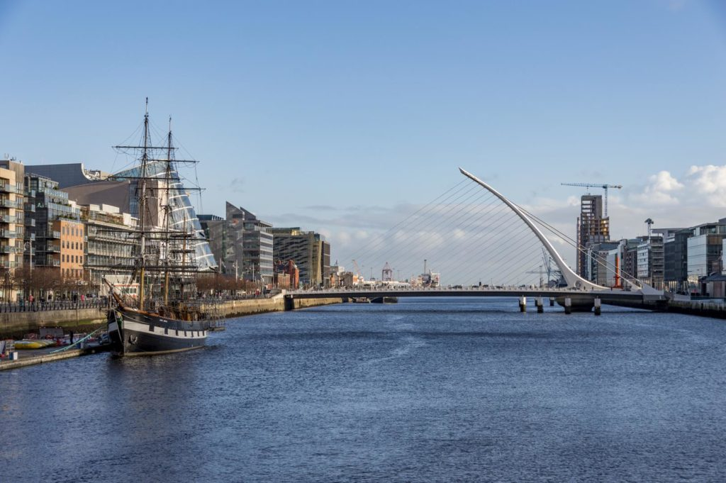 Dublin - most Harfa