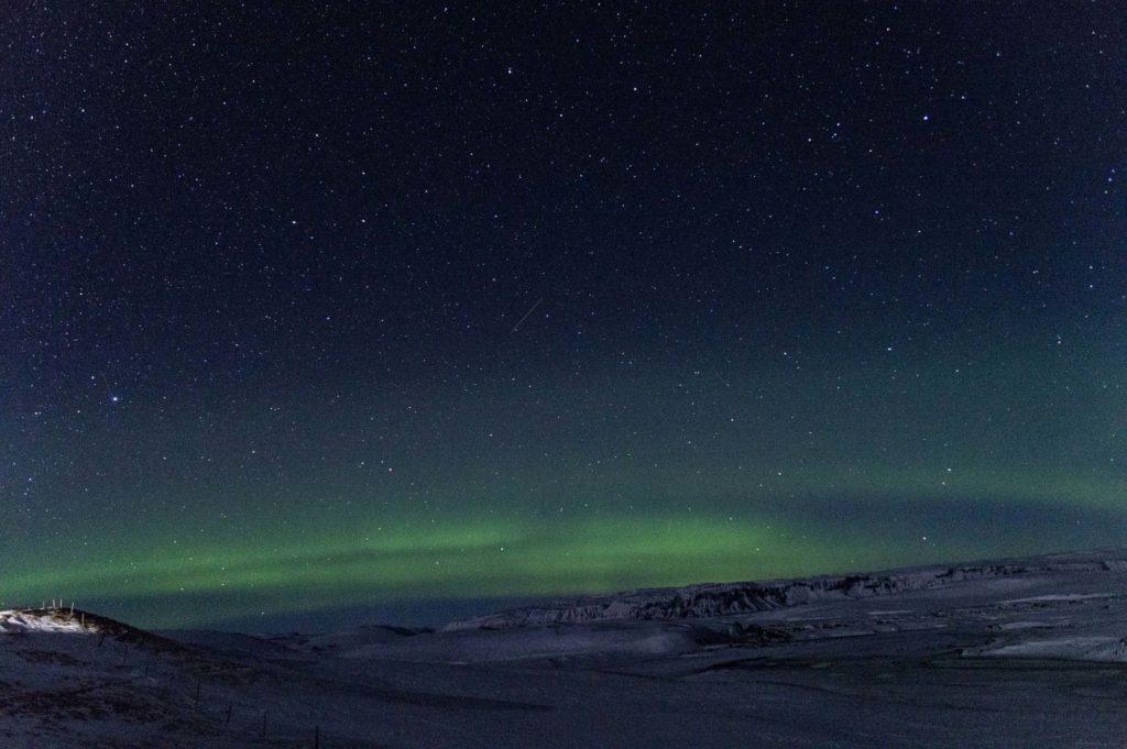 Islandia zorza polarna gołym okiem