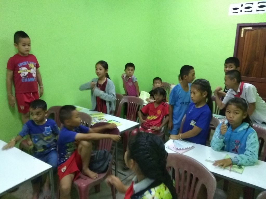 volunteering in Laos - classroom