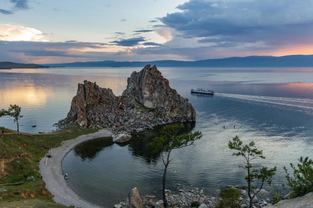 Jezioro Bajkał - skała Szamanka