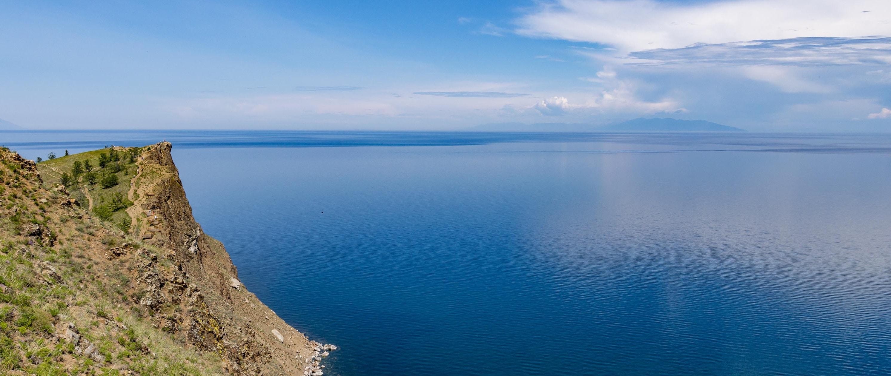 Jezioro Bajkał. Atrakcje nad okiem Syberii, najgłębszym i najczystszym jeziorem świata.