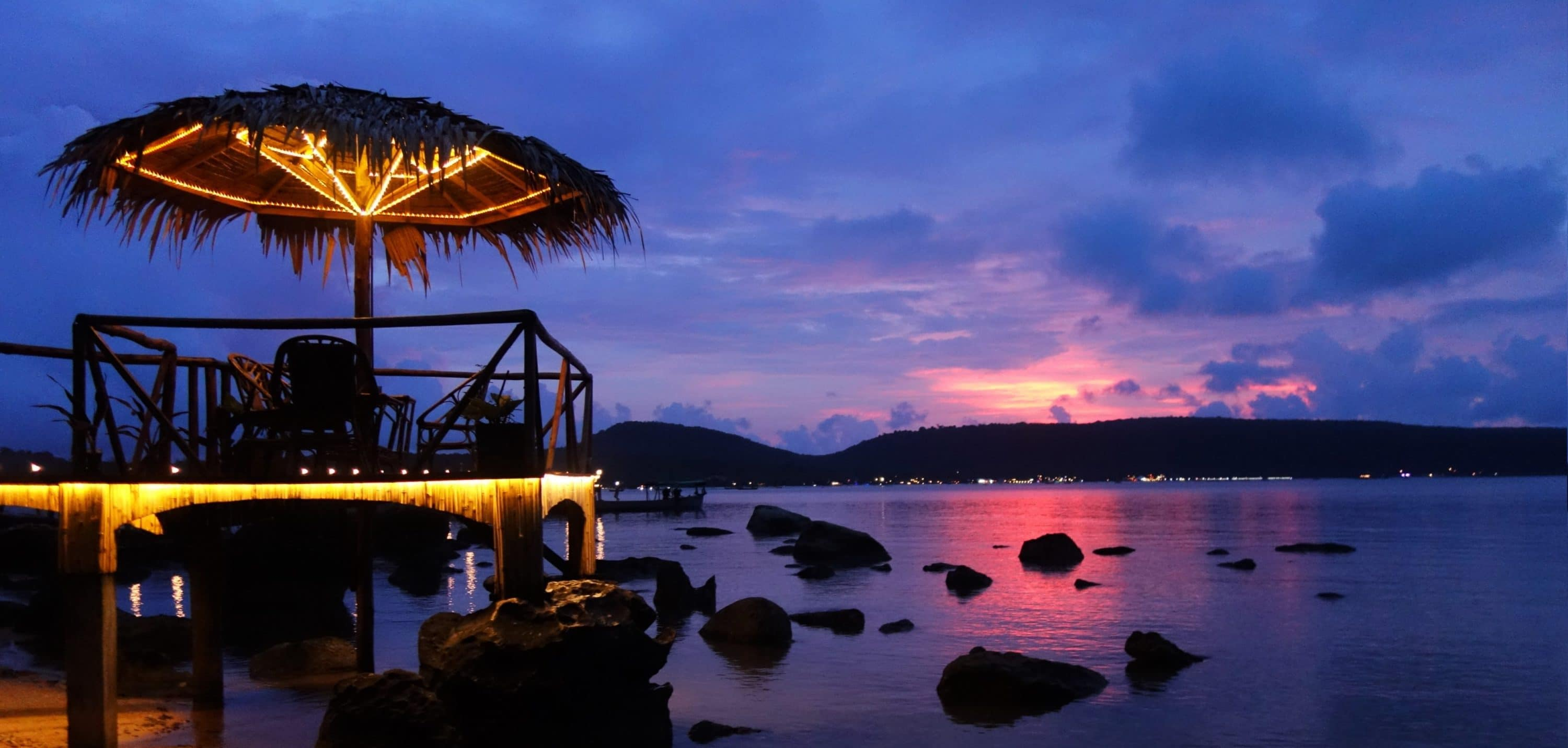 Volunteering in Cambodia. What is it like to work in a hotel on an island paradise?