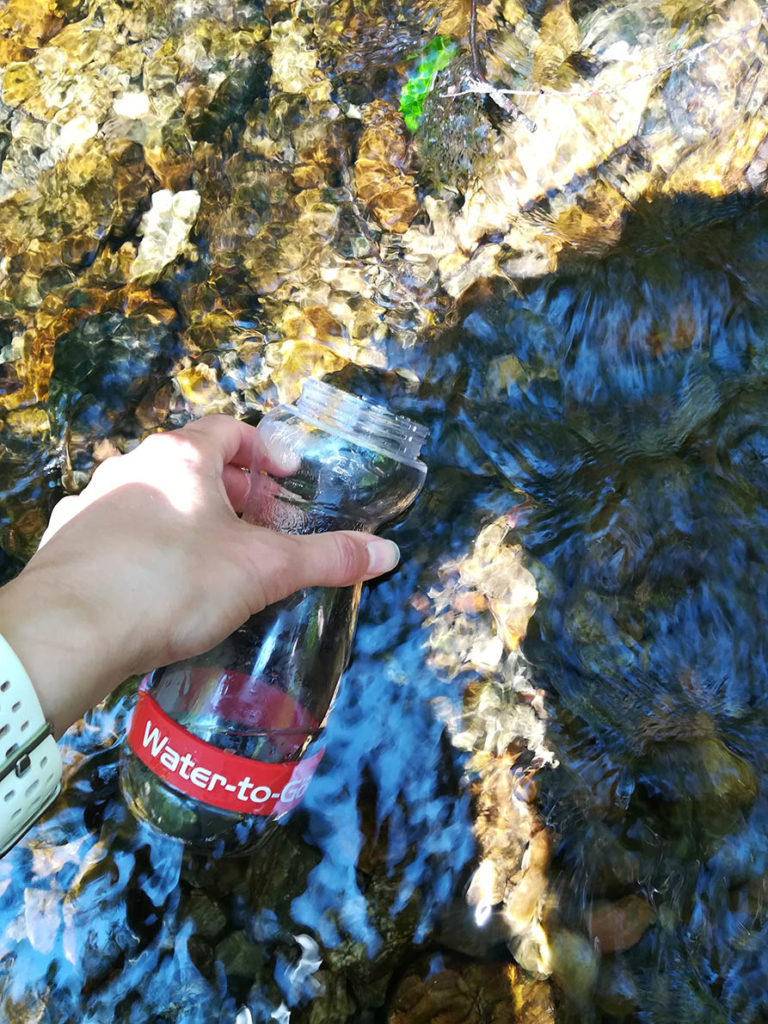 Sustainable travel tips: Re-usable water bottle